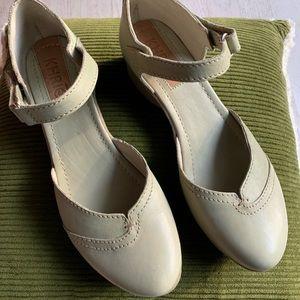 Khriō Shoes